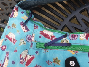 Zippers with ribbon tags