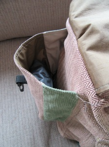 side pocket with pieced lining and contrast sides